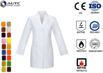 Long Sleeve Disposable Medical Workwear Notched Collar Three Pockets